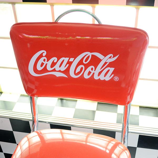 [Coca-Cola] V-Chair / [コカコーラ] ブイチェア ロゴ入り椅子